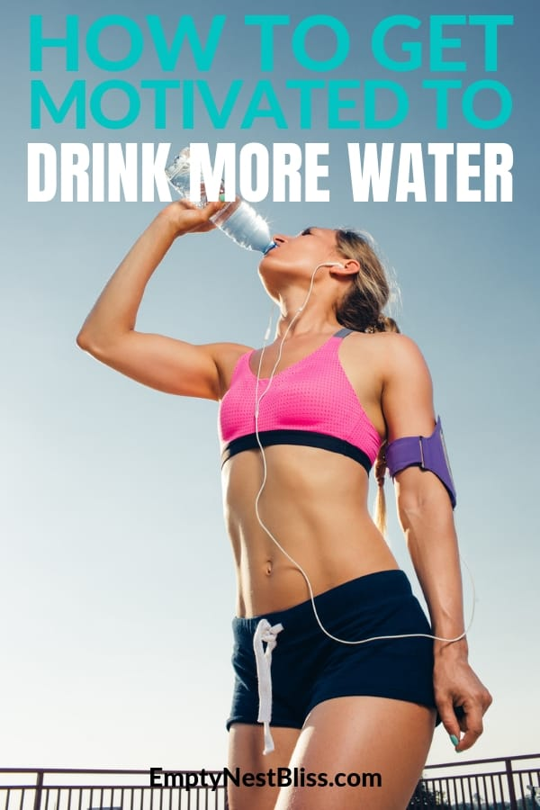 Tips on how to stay motivated to keep drinking water all day long. Water is so important for weight loss, health and feeling great. Tips to get your ounces in each day. #Cleaneatingdiet