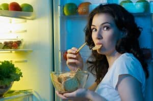 Fasting can help you control hunger and cravings when you are trying to eat a healthy diet!