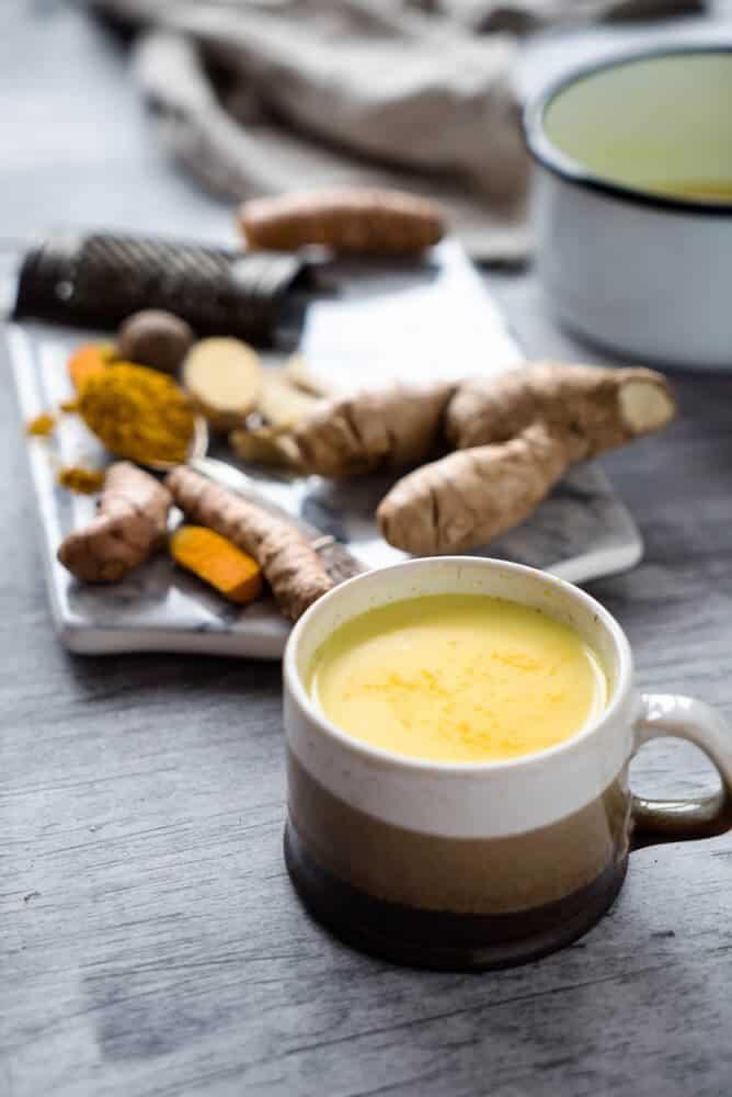 benefits of turmeric milk for hair
