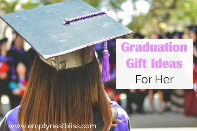 How to choose the best graduation gifts for daughter! Plus a free printable grad card.