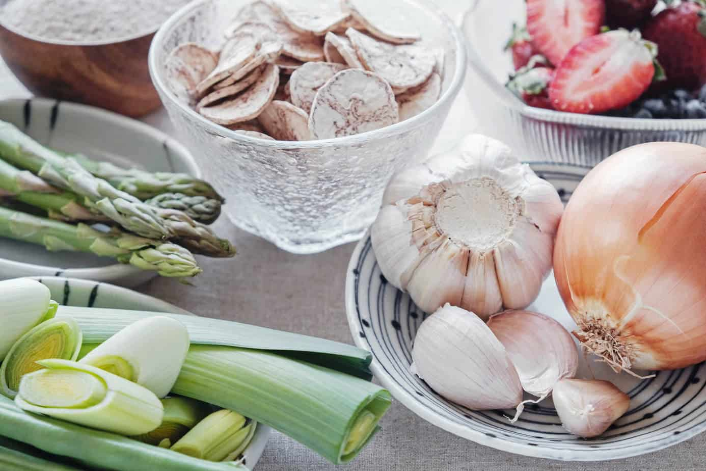 Find out what to eat to heal your leaky gut.
