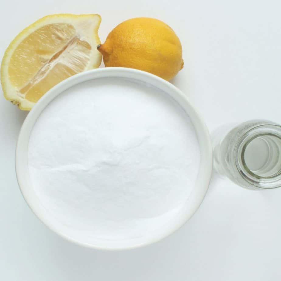 baking soda lemon vinegar natural cleaning products homemade